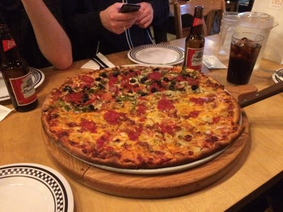 Brick Oven New York Pizzeria: What a big pizza, we all enjoyed it. great taste!