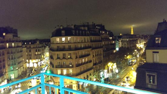 La Maison Saint Germain: night view from balcony