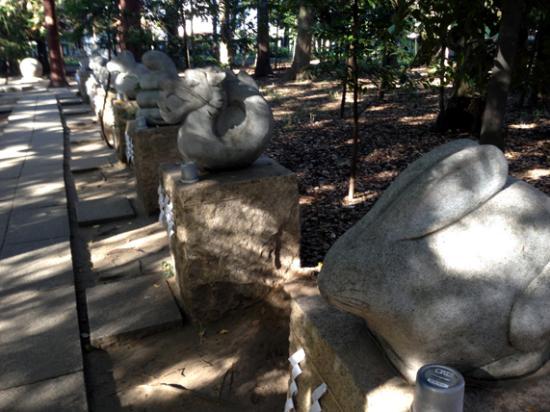 浅間神社, 十二支の石像