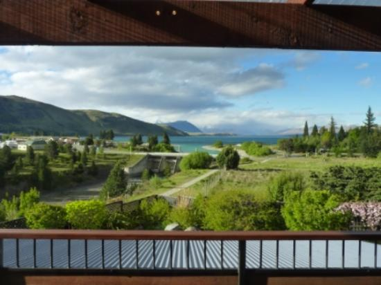 TekapoB2 Lakeview Apartment: Stunning views from the living area