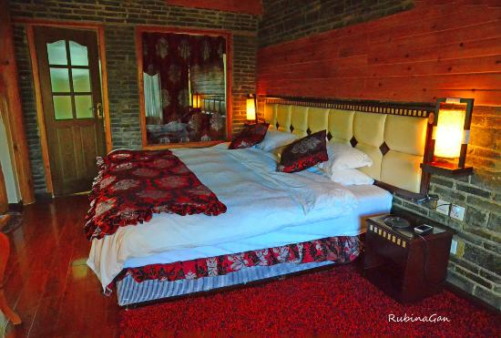 The Bruce Chalet : Snow Mountain Room