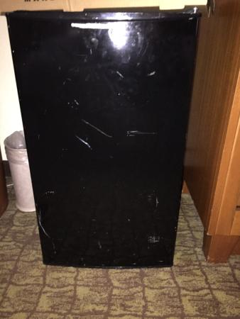 DoubleTree by Hilton Hotel Deerfield Beach - Boca Raton: Ugly refrigerator for $10 a night