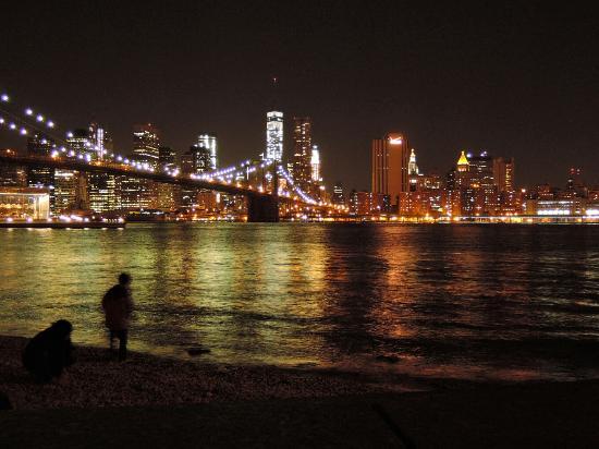 Prive: ブルックリン側からみたマンハッタンの夜景☆ブルックリンブリッジナイトツアー