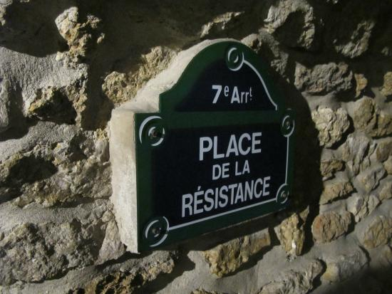 Paris, Frankrike: Улицы под землей