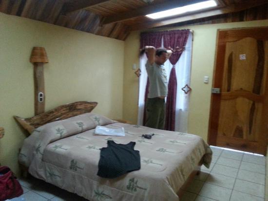 Monteverde Rustic Lodge: the room