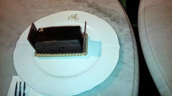 Antoinette : The Royale