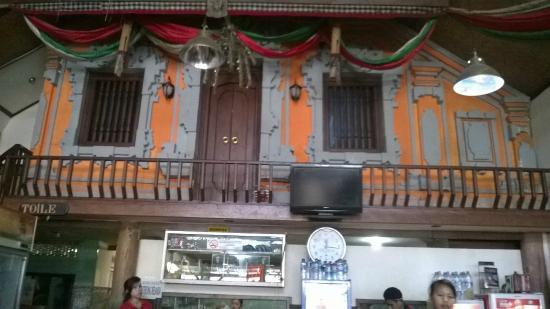 Babi Guling Chandra: Restaurant interior