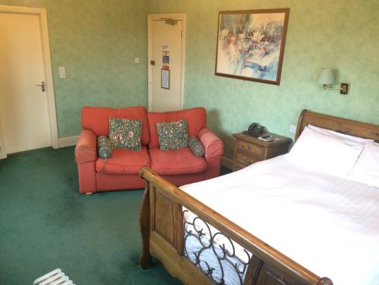 The Royal Hotel: Un-refurbished room