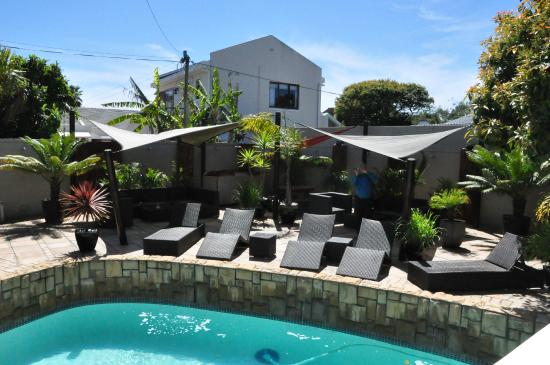 African Breeze Guesthouse Leisure Isle Knysna: View of the pool