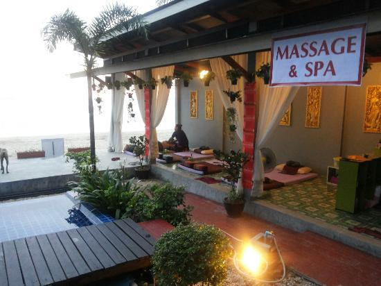 "Maya Koh Lanta Resort: ""THE EXPERT2"" Nice & perfect massage place in Maya koh lanta hotel."