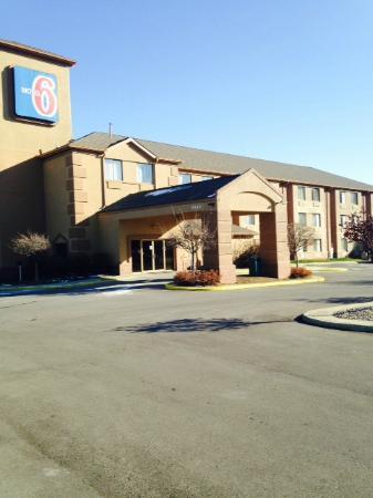 Motel 6 Indianapolis - Airport: Exterior