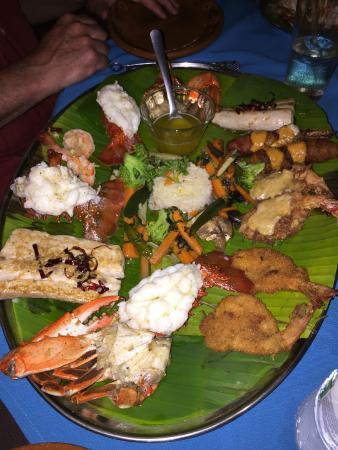 Las Mariscadas: Seafood platter for 2