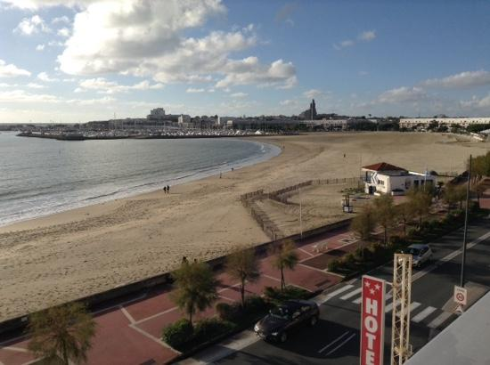 Family Golf Hotel : view from room number 31 at Family Holf Hotel, Royan. November 20th 2014