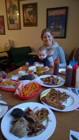 Wabash's BBQ and Blues Garden : Full Spread