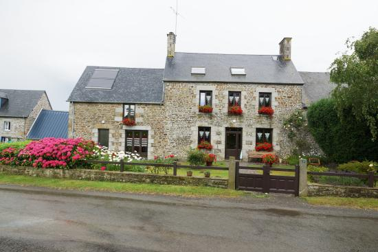 Saint-Aubin-de-Terregatte, France : batiment principal