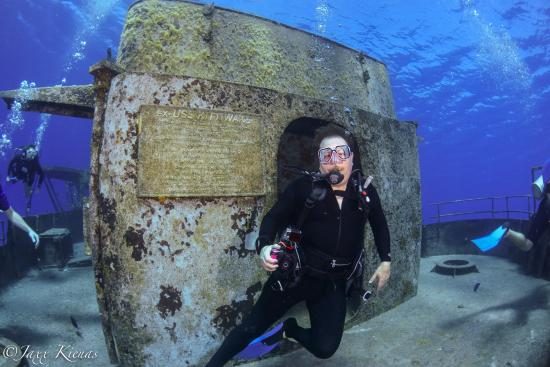 Epic Divers: Diving with EPIC at the Kittiwake.