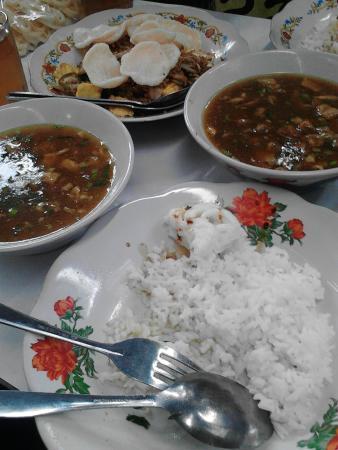 Bakmoy Mahmud: bakmoy, lotek and kerupuk gosong