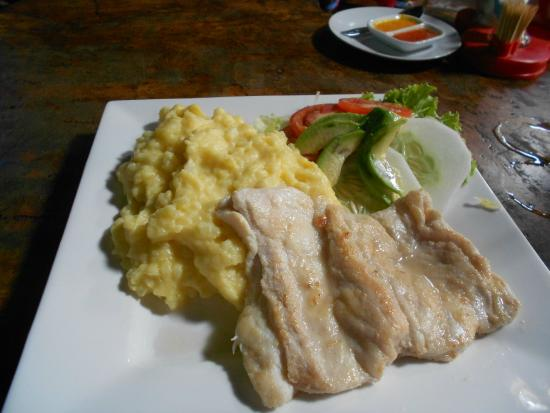 The Yellow Rose of Texas: ALIGATOR WITH MASHED POTATOES