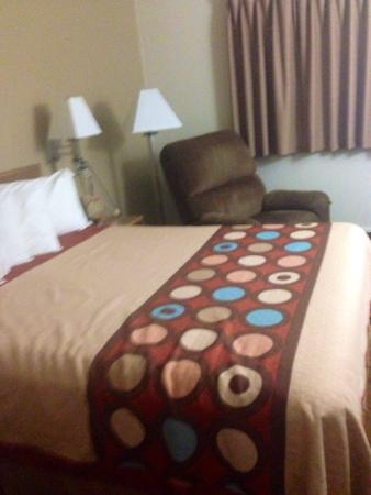 Super 8 Las Cruces/White Sands Area : Nov 2014.  Updated decor!