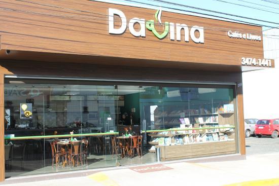 Davina Cafes E Livros