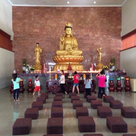 Maha Vihara Duta Maitreya Temple: Goddess of Mercy