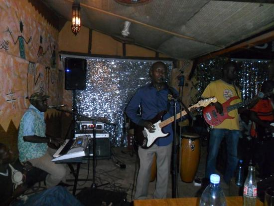 Le Savana: Orchestre du Samedi Baba Salah