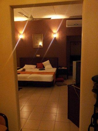 Shalimar Hotel: Bedroom