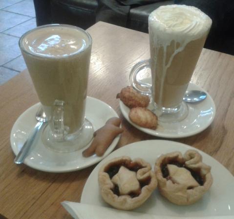 Crunch Coffeeshop: Festive cheer!