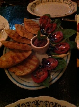 The Fountain Cafe: The Mediterranean appetizer is delicious