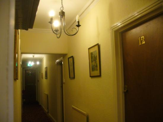 Pont-y-Pair Hotel and Restaurant: The corridor