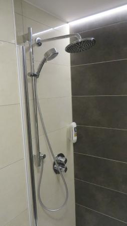 Mercure Hotel Regensburg: 2-faches Duschsystem (Grohe)