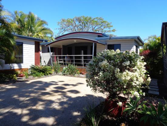Toolooa Gardens Motel and Apartments: Villa