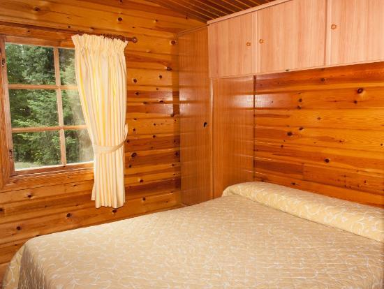 Fachada caba a 2 habitaciones picture of cabanas de - Habitacion de madera ...