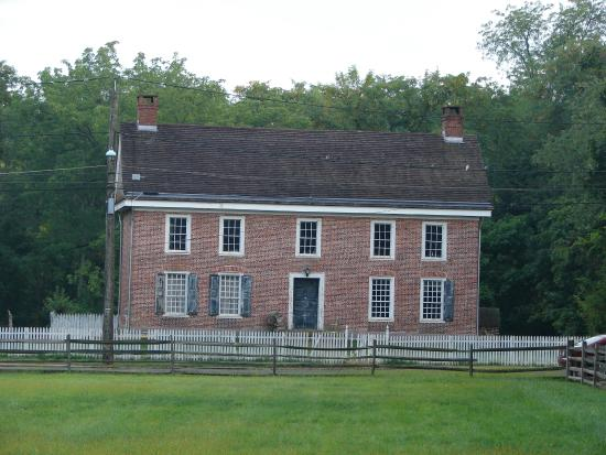 The Wallace House / Old Dutch Parsonage