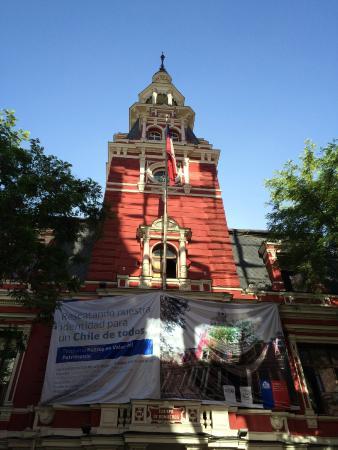 """Firemen Building : Torre voltada para o """"Passeo Ponte"""" com a publicidade do governo de restauração."""