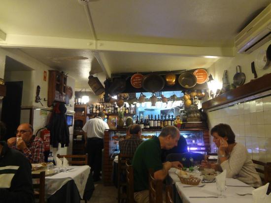 Restaurante Tascardoso: smallest restaurant ever !