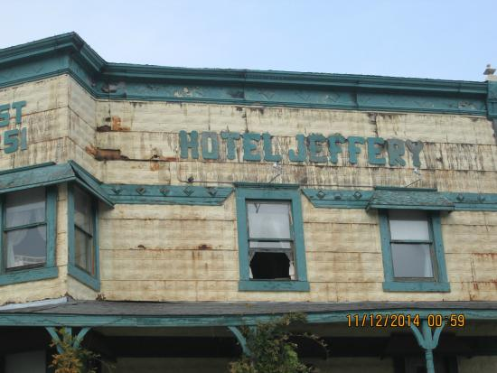 Hotel Jeffery: Fire damage
