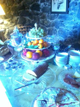 Pietra Campana: Breakfast spread