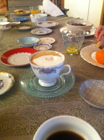 Pietra Campana: Tea cup collection for serving coffee or tea