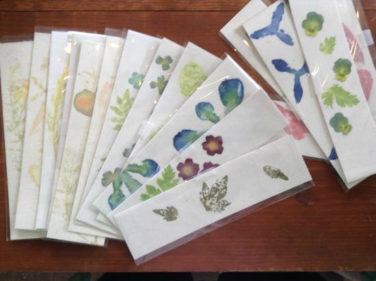 handiWorks: Flower-pounded bookmarks - Ruth Mackay