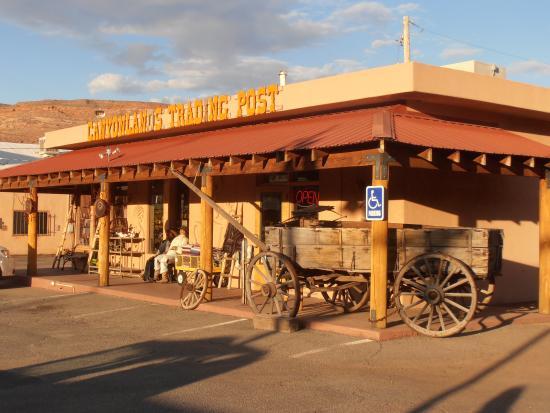 Moab Valley Inn: In dezelfde straat van hotel