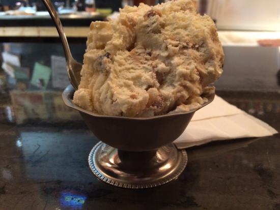 ANTIQOLOGY: Maple walnut blondie ice cream