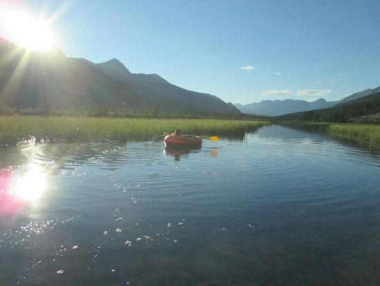 HI-Beauty Creek Wilderness Hostel: on the pond!