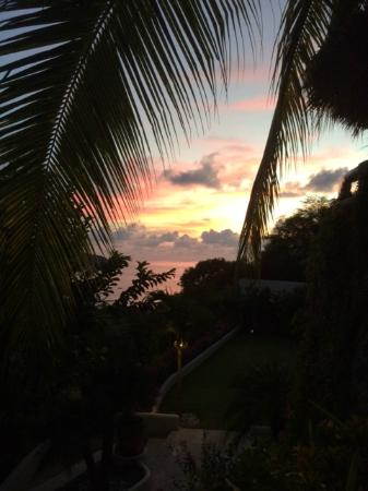 Hotel Cinco Sentidos: Sunset from our room upon arrival