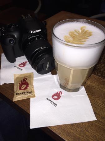 Baresso Coffee: Caffè latte