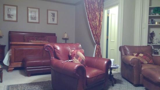 Bayberry Inn of Newport : Anna Hunter suite