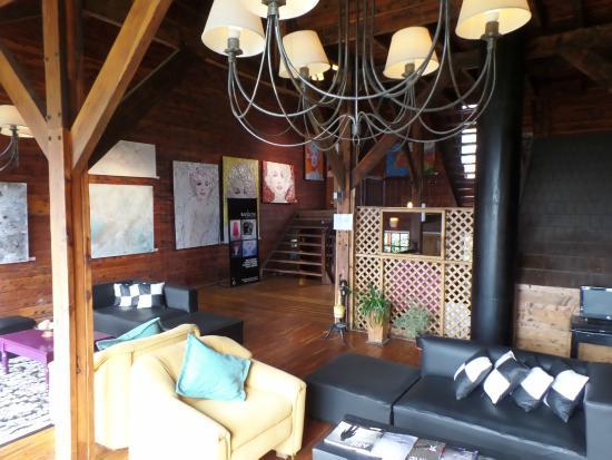 Hosteria La Luna: Art Gallery