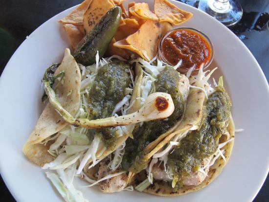 PUEBLO Cocina de Mexico: Freshest fish tacos!