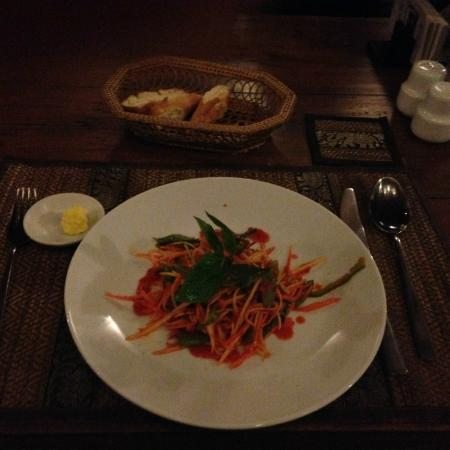 Old House Restaurant: entree to the three course meal