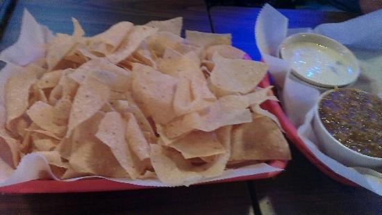 Foghorn's: Chips and salsa with queso.